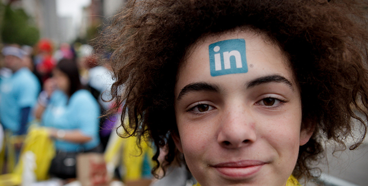 Linkedin Centipedes at 2010 Bay to Breakers (By A Name Like Shields Can Make You Defensive -Flickr-)
